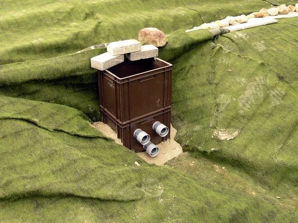 teichreinigung mit filtergraben teich wassertechnik. Black Bedroom Furniture Sets. Home Design Ideas