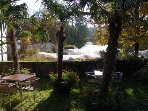 Im Frühling und im Herbst hilft das Teichnetz bei der Gartenpflege