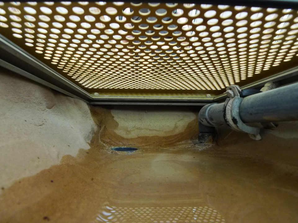 Teichschlamm entfernen teich wassertechnik for Fischteich algen entfernen