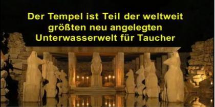 Tauchen durch versunkene Tempel