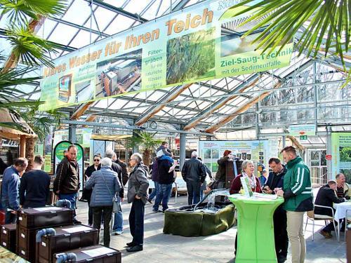 Ausstellungsstände in der Palmenhalle