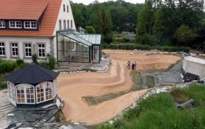 Einbau der Verbundmatte im Schwimmteich