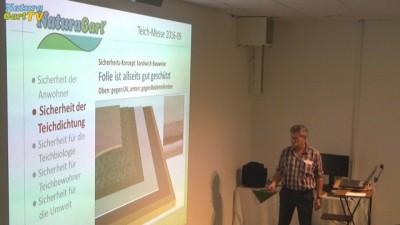 Norbert Jorek erklärt den Folienschutz