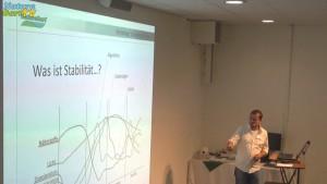 Dr Holger Kraus referiert über Stabilität im teich