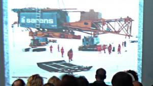 """Teilnehmer beim Vortrag des 1. Offiziers des Forschungsschiffes """"Polarstern"""" bei NaturaGart"""