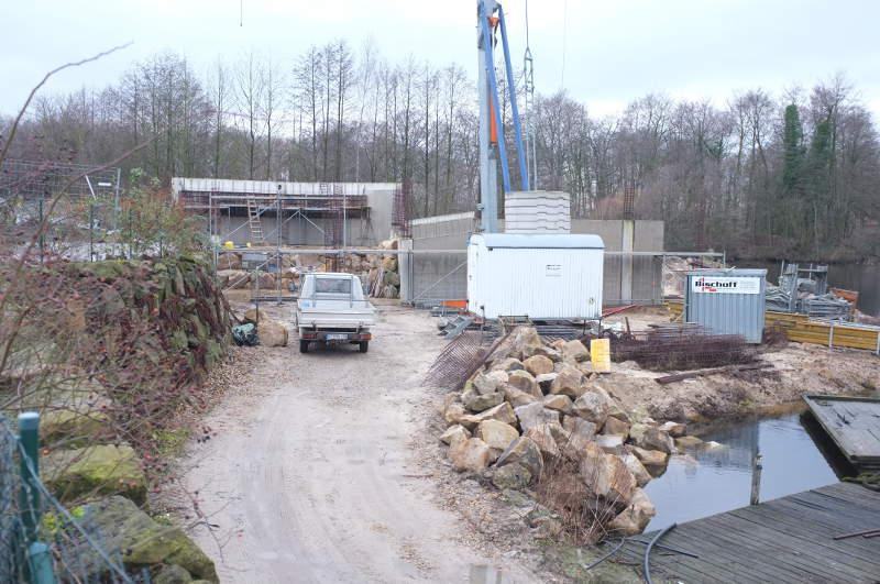 Die Arbeiten am Tempelteich kommen gut voran. Die neue Attraktion im Park wird ein Veranstaltungsraum und ein Schulungsbecken für Taucher sein.
