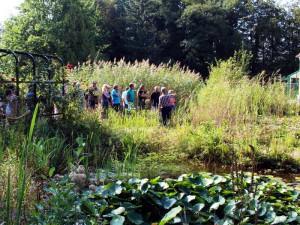 Ein Teil der Vorträge findet draußen in der Natur statt. Zum Glück sind die Teiche im Park alle nicht weit weg.