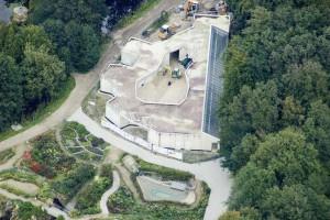 Das Kaltwasseraquarium: Diese Bauphase ist beendet und das Aquarium zugänglich. Den Eingang wird ein Wasservorhang bilden.