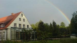 Der Anfang des Regenbogens liegt im NaturaGart Park in Ibbenbüren