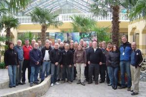 Technikseminar Tauchen im Oktober, Werner Schreyer und Dr. Dietmar Berndt im Kreise der Teilnehmer