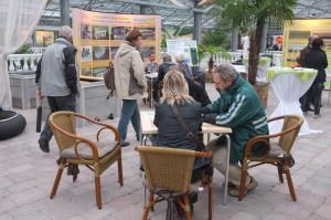 Bei der Hausmesse von NaturaGart kann man sich von unseren Teichberatern direkt individuell Informationen für das eigene Teichbau-Projekt holen