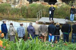 Im Frühjahr 2014 sind nur noch wenige Plätze am 12. April buchbar. Die nächste Teichbau-Seminar-Serie beginnt dann im Herbst. Eventuelle Zusatztermine werden noch geprüft.