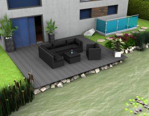 Teichsteg mit Gartenmöbeln als eine romantische Sitzecke am Teich.