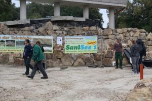 Die Vorführung des neuen Schlammsaugers zur Teichsanierung