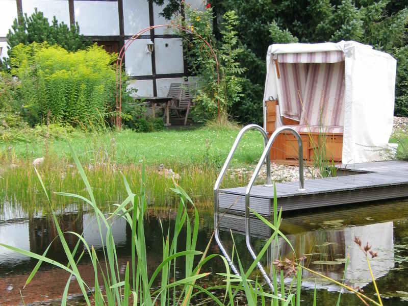 vorteil schwimmteich gartenteich planung bau und pflege. Black Bedroom Furniture Sets. Home Design Ideas